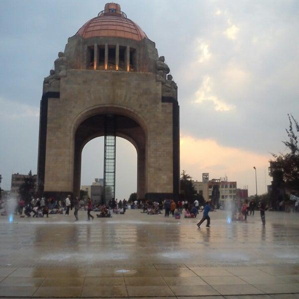 Foto tomada en Monumento a la Revolución Mexicana por Mit F. el 5/4/2013