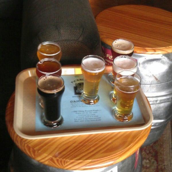 9/14/2012 tarihinde Tracie A.ziyaretçi tarafından Fearless Brewing'de çekilen fotoğraf