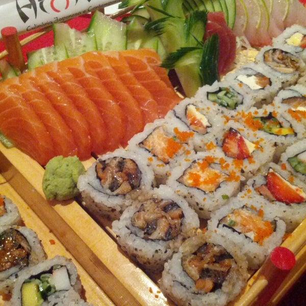 Foto tirada no(a) Himitsu Culinária Japonesa por Celso C. em 8/11/2013