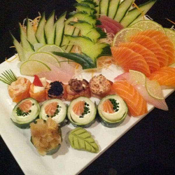 Foto tirada no(a) Himitsu Culinária Japonesa por Celso C. em 3/2/2013