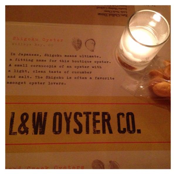 รูปภาพถ่ายที่ L&W Oyster Co. โดย Amy T. เมื่อ 4/11/2013