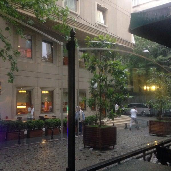 6/16/2014 tarihinde Tata W.ziyaretçi tarafından Germir Palas Hotel,İstanbul'de çekilen fotoğraf