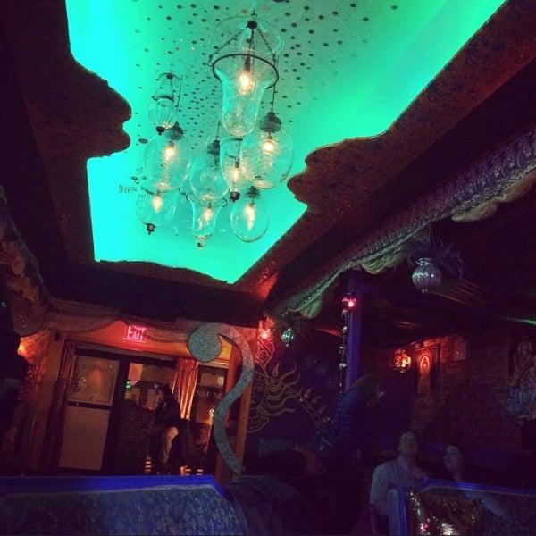รูปภาพถ่ายที่ Tantra Lounge โดย Katie H. เมื่อ 11/18/2014