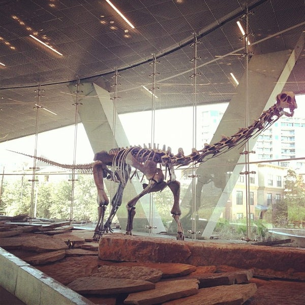 Foto tirada no(a) Perot Museum of Nature and Science por Michael S. em 11/26/2012