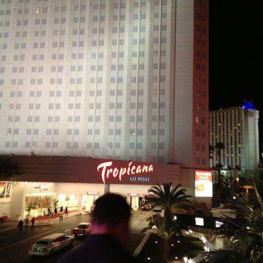 Снимок сделан в Tropicana Las Vegas пользователем Ken G. 10/27/2012