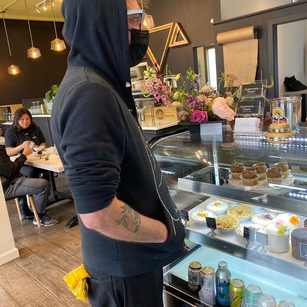 5/27/2021にKay G.がBack to Eden Bakeryで撮った写真