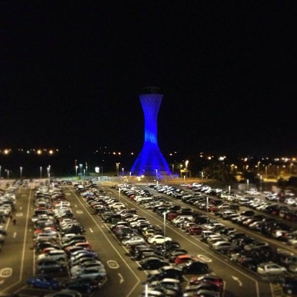 Das Foto wurde bei Edinburgh Airport (EDI) von Edinburgh A. am 7/25/2013 aufgenommen