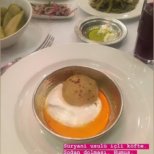 Das Foto wurde bei Seraf Restaurant von 💥💥sinan💥 . am 9/21/2019 aufgenommen
