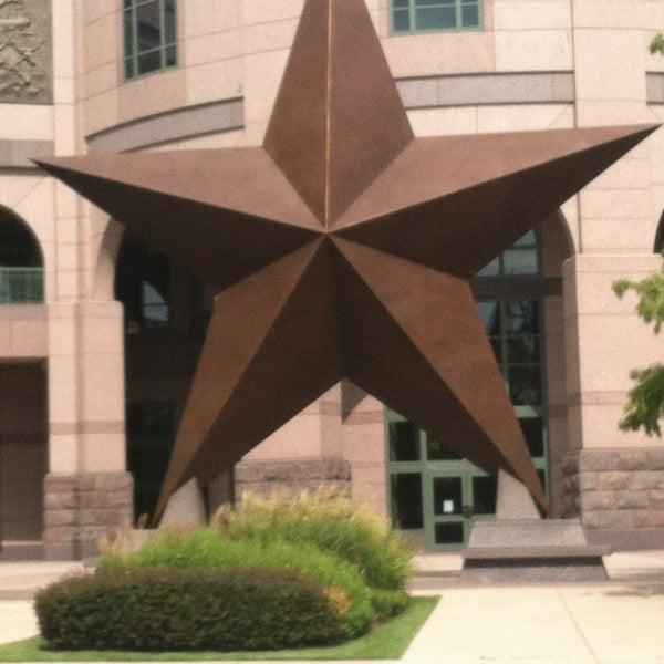 7/24/2013 tarihinde Holly H.ziyaretçi tarafından Bullock Texas State History Museum'de çekilen fotoğraf