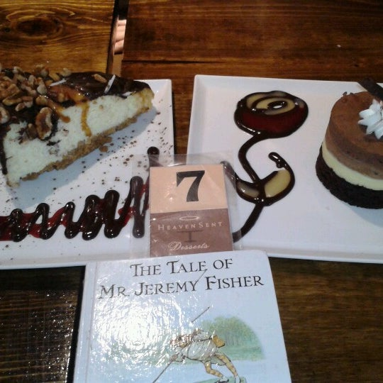 Foto tomada en Heaven Sent Desserts por Christelle L. el 3/9/2013