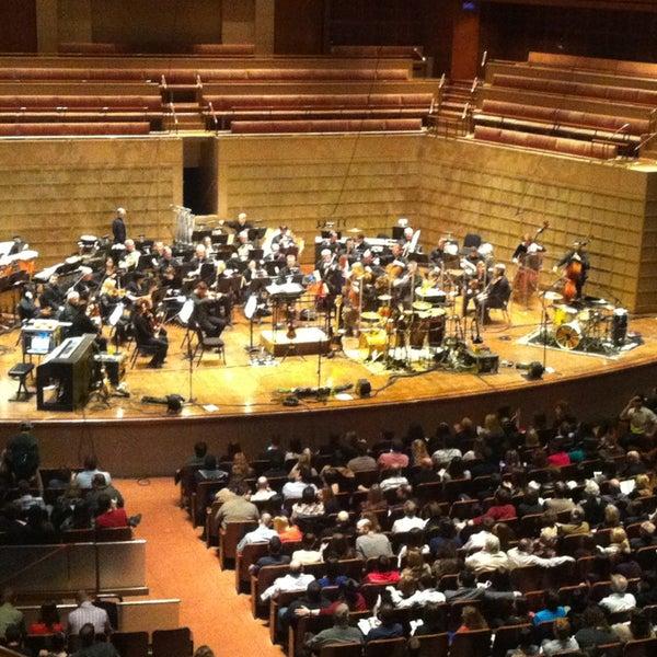 Foto tirada no(a) Morton H. Meyerson Symphony Center por Jennie E. em 1/6/2013