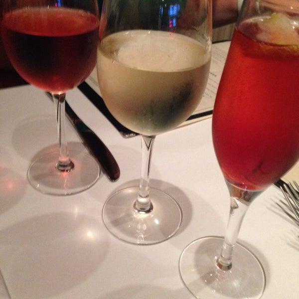 8/20/2014にAnne-Marie K.がLes Zygomates Wine Bar Bistroで撮った写真