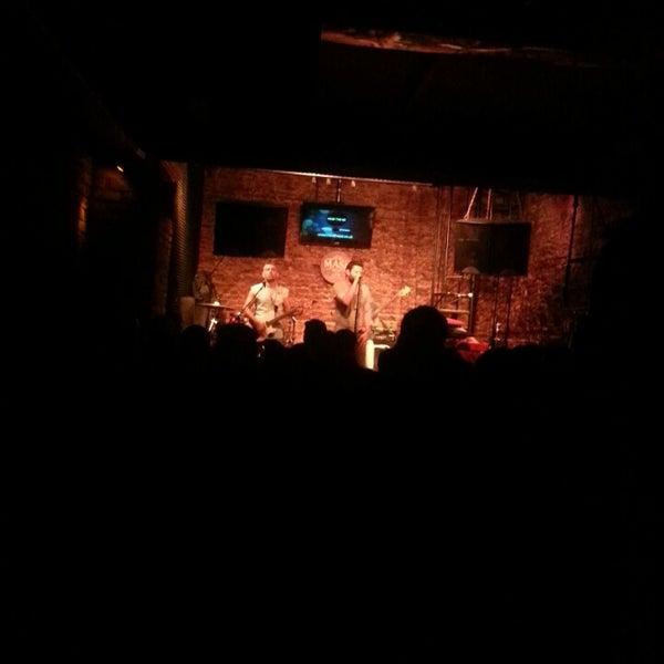 Foto diambil di Mask Live Music Club oleh Gizem M. pada 5/18/2013