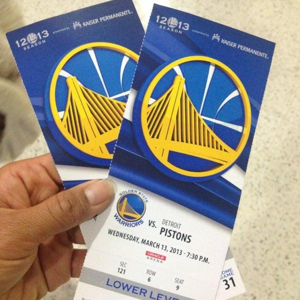 รูปภาพถ่ายที่ Oakland Arena โดย Desiree M. เมื่อ 3/14/2013