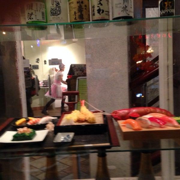 1/9/2014 tarihinde April N.ziyaretçi tarafından Maid Cafe NY'de çekilen fotoğraf
