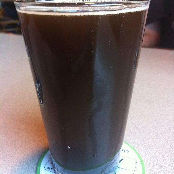 รูปภาพถ่ายที่ Hop Valley Brewing Co. โดย ceej เมื่อ 4/28/2013