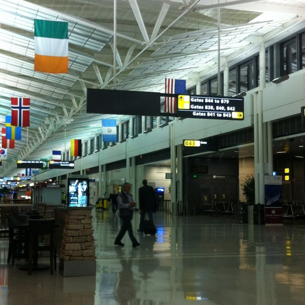 Foto diambil di Washington Dulles International Airport oleh Onur U. pada 5/20/2013