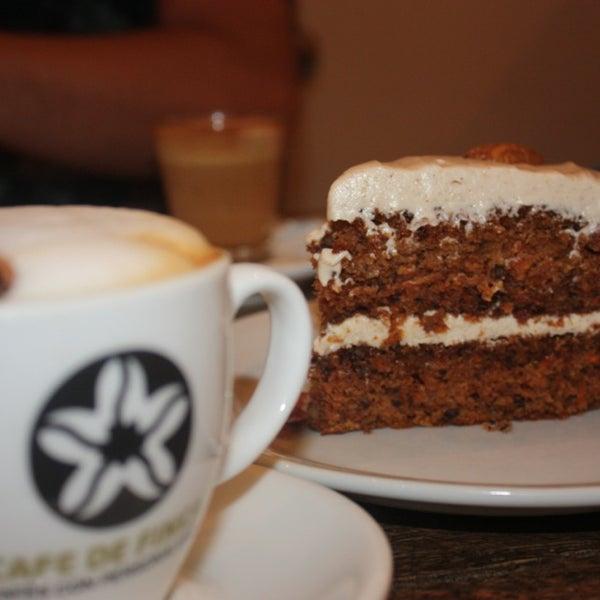 El mejor carrot cake de la ciudad!! Precios excelentes y muy simpáticos :)
