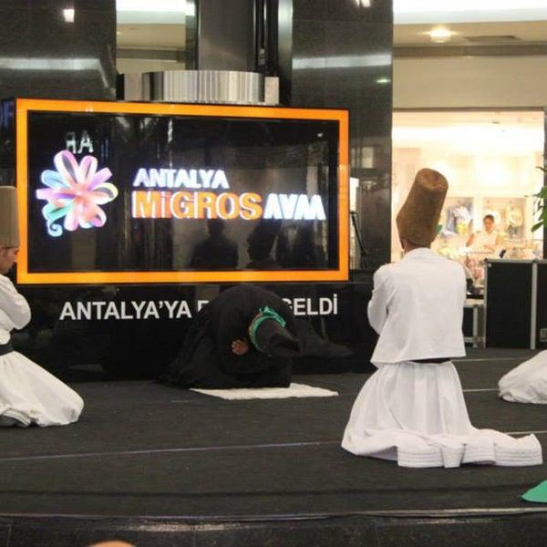 Foto tomada en Antalya Migros AVM por Antalya el 7/24/2013