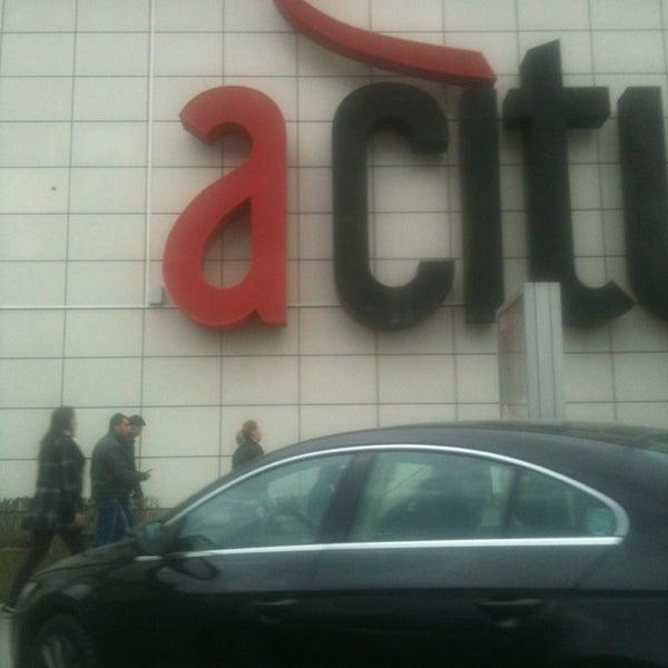 Das Foto wurde bei ACity Premium Outlet von Mehmet B. am 3/9/2013 aufgenommen