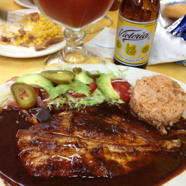 Снимок сделан в Ostionería Mazatlán пользователем Whittallica 8/25/2013