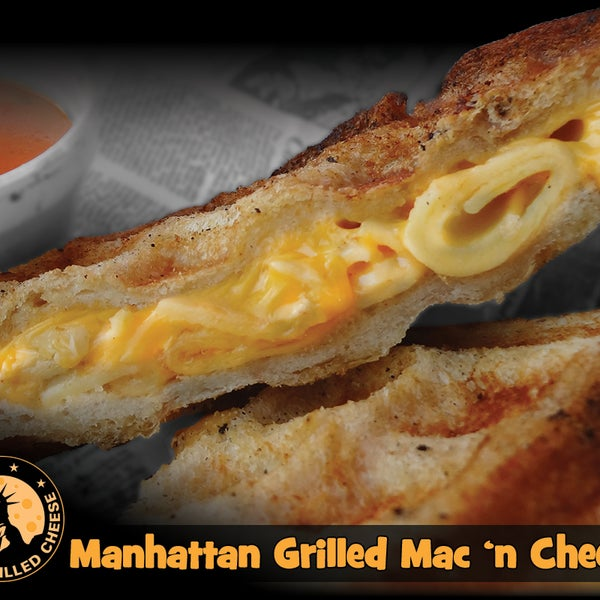 10/13/2013 tarihinde New York Grilled Cheese Co.ziyaretçi tarafından New York Grilled Cheese Co.'de çekilen fotoğraf