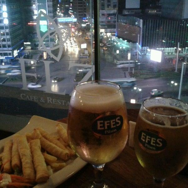 5/10/2013 tarihinde Aytac G.ziyaretçi tarafından Flz Cafe & Restaurant'de çekilen fotoğraf
