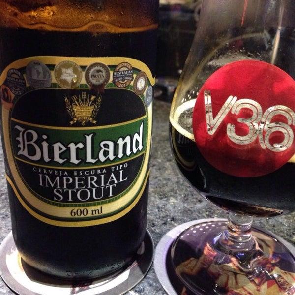 Foto tirada no(a) Velvet36 Rock'n Roll Bar por Gustavo P. em 11/3/2014