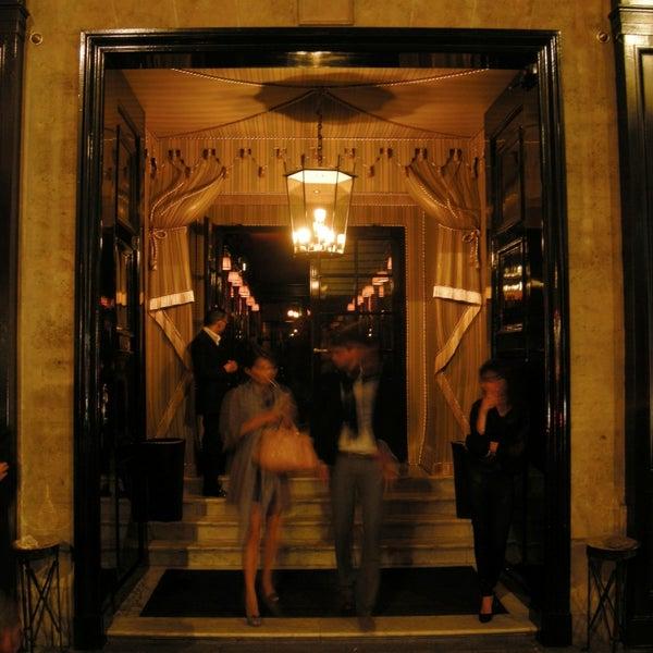 Foto diambil di Hôtel Costes oleh Hôtel Costes pada 9/2/2013