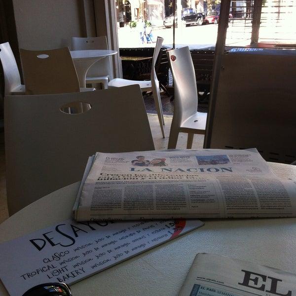 Foto tirada no(a) Mark's Deli & Coffee House por Florencia J. em 5/5/2013