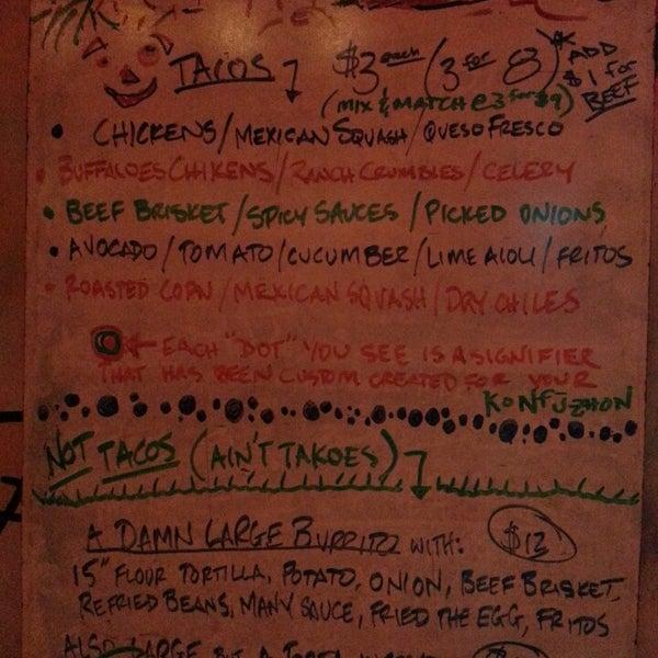 7/12/2013에 Geri D.님이 Taco Nuts에서 찍은 사진