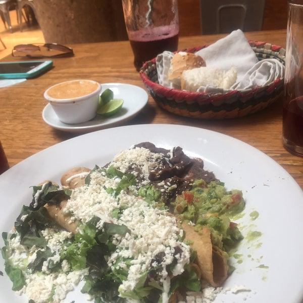 รูปภาพถ่ายที่ Restaurante Don Toribio โดย marieth m. เมื่อ 5/14/2019