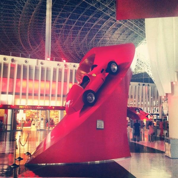 Photo prise au Ferrari World Abu Dhabi par Дмитрий R. le6/1/2013
