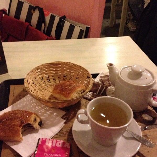 Foto diambil di Boulangerie Cocu oleh Alejandra B. pada 7/13/2013