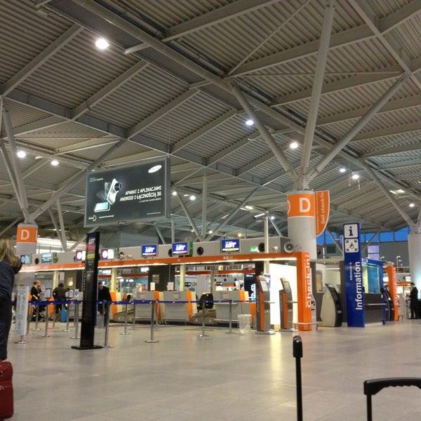 3/7/2013에 Mikhail M.님이 바르샤바 쇼팽 공항 (WAW)에서 찍은 사진