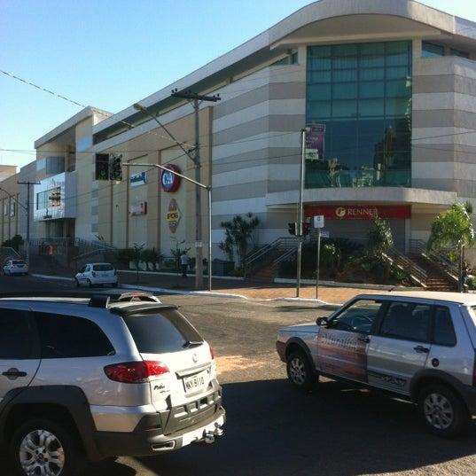 7/10/2012 tarihinde Renan M.ziyaretçi tarafından Goiânia Shopping'de çekilen fotoğraf