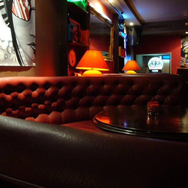Foto diambil di Le Ghost Pub : Music Bar oleh Le Ghost Pub : Music Bar pada 8/15/2013