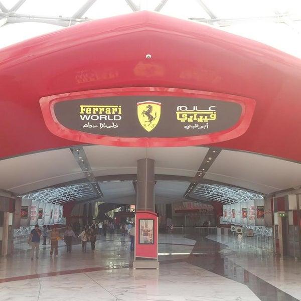 Foto tomada en Ferrari World Abu Dhabi por Zhi D. el 3/1/2013