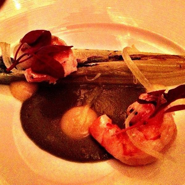 Foto tirada no(a) Nine-Ten Restaurant and Bar por Dougie F. em 2/21/2013