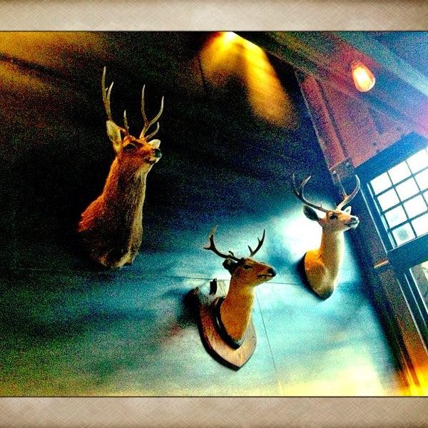 Foto tirada no(a) Bankers Hill Bar & Restaurant por Dougie F. em 1/29/2013