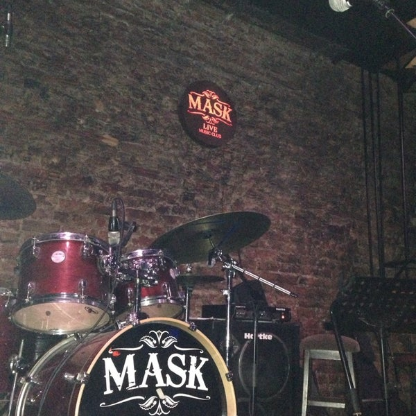 Foto diambil di Mask Live Music Club oleh Şenay G. pada 10/5/2013