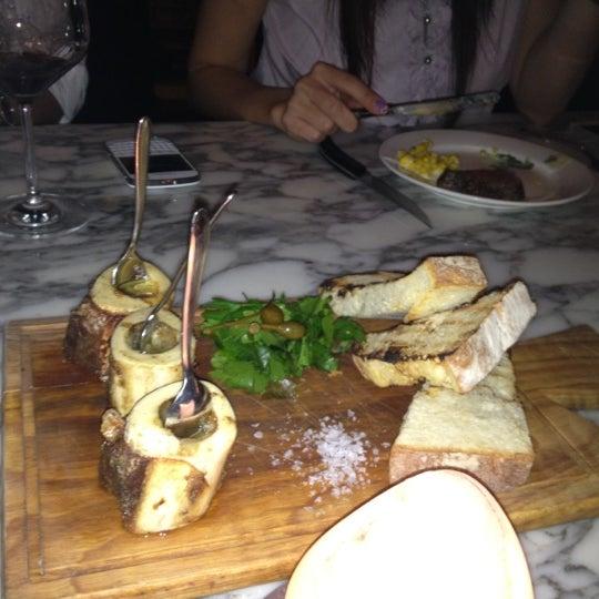 Das Foto wurde bei Blue - Butcher & Meat Specialist von Christabel C. am 10/1/2012 aufgenommen