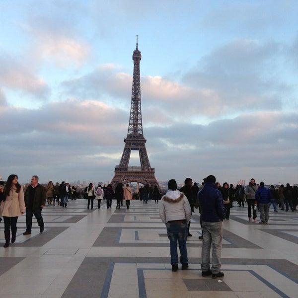 Photo prise au Place du Trocadéro par Surekli V. le2/17/2013