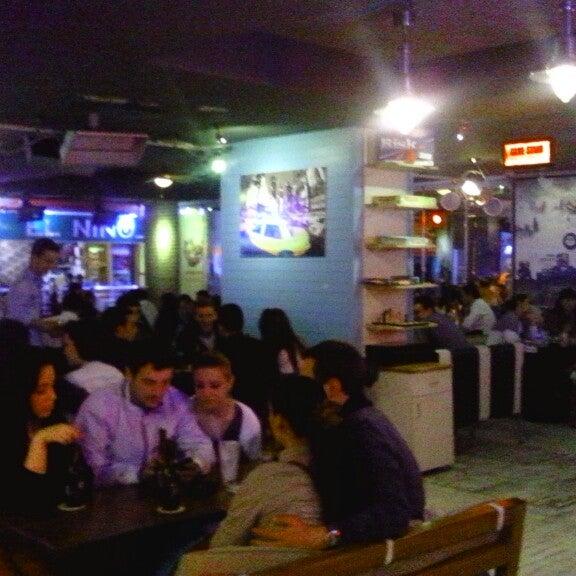 Foto diambil di Diesel Pub oleh Kürşat T. pada 5/17/2013