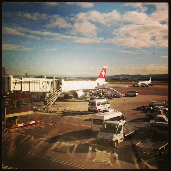 Photo prise au Aéroport de Genève Cointrin (GVA) par Kate C. le5/11/2013