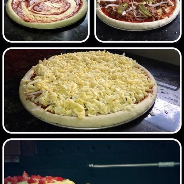 Снимок сделан в Mama's Pizza пользователем Mama's Pizza 7/10/2013