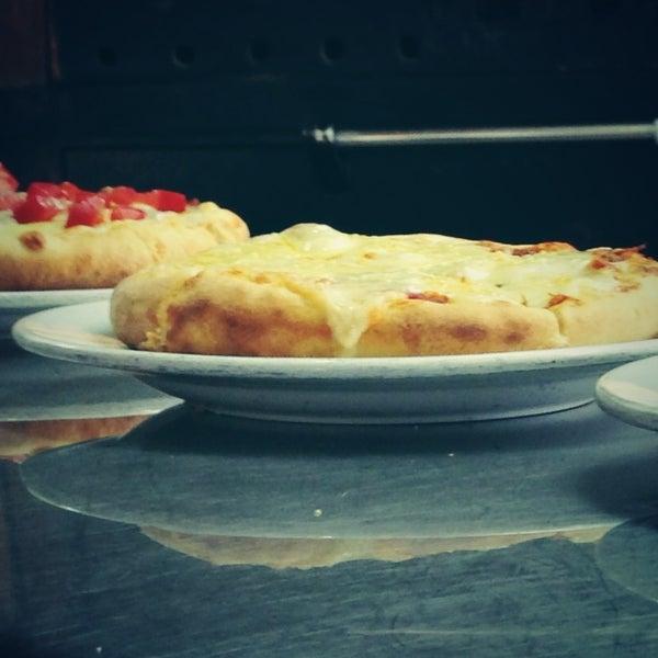 Снимок сделан в Mama's Pizza пользователем Mama's Pizza 7/17/2013