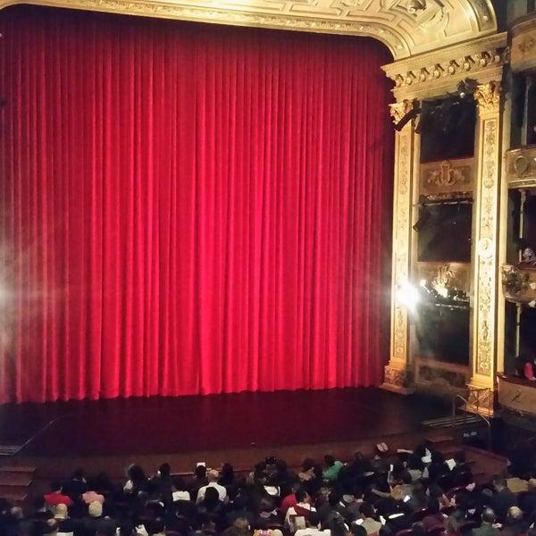 Das Foto wurde bei Teatro Colón von Carolina G. am 4/1/2017 aufgenommen