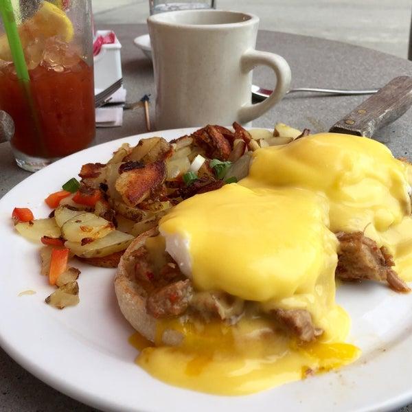 7/2/2016 tarihinde Andy S.ziyaretçi tarafından The Breakfast Club & Grill'de çekilen fotoğraf