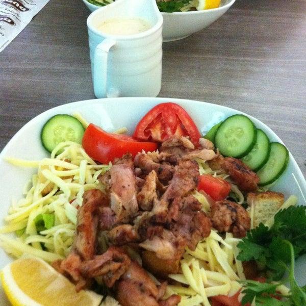 Foto tomada en Dudu Cafe Restaurant por Cansu Ö. el 7/4/2013